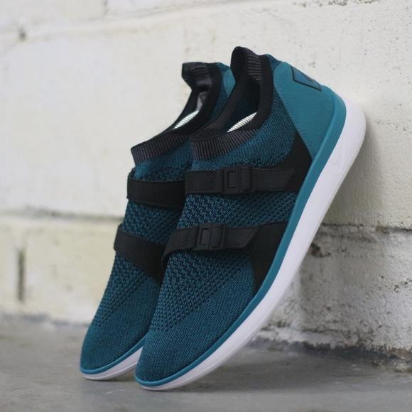 Nike Men s Size 12 Air Sockracer ULTRA Flyknit be0ffba43